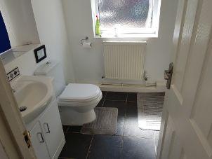 10 Pembroke Street - bathroom