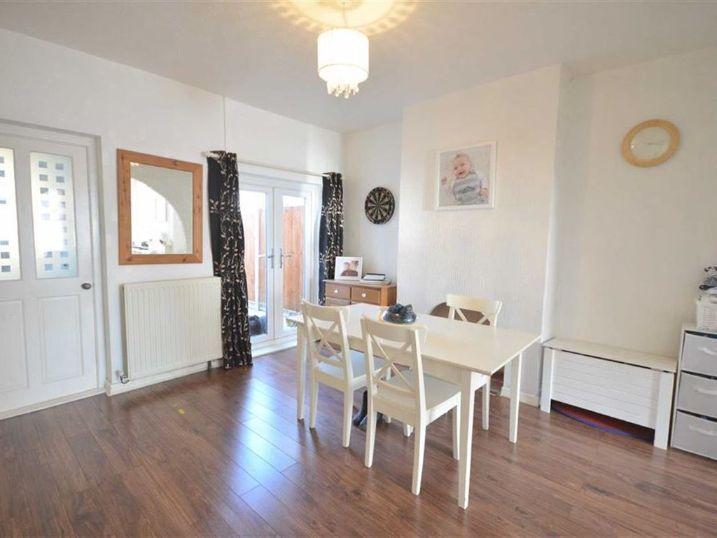 15 Clegram Road, Gloucester, GL1 5SW, 4 Bedrooms Bedrooms, ,1 BathroomBathrooms,Student,For Rent,Clegram Road,1039