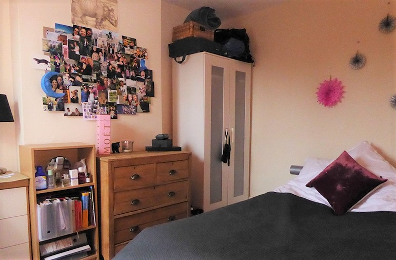 44 Rosebery Avenue bedroom