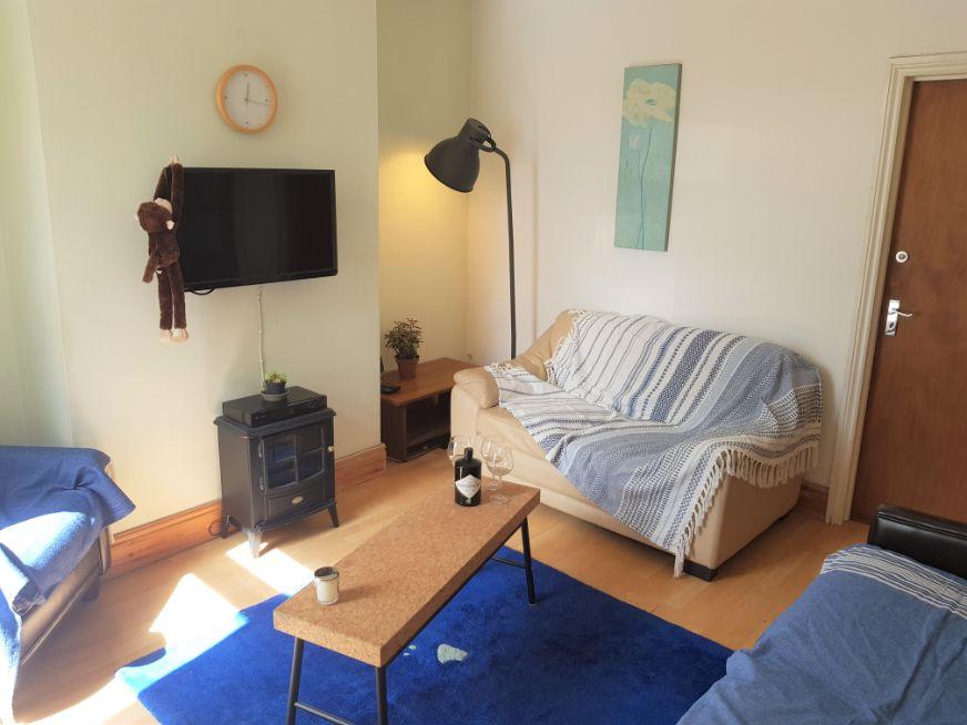 41 St Mark Street - living room